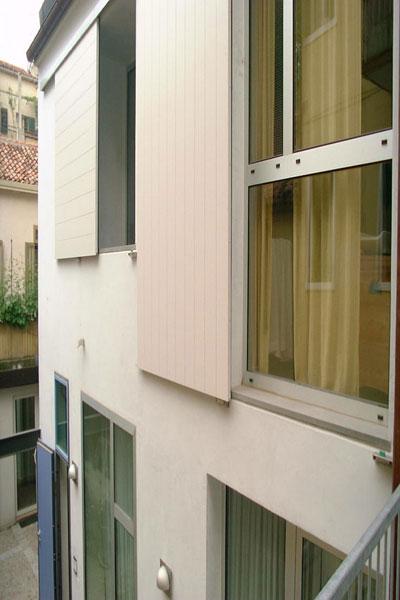casa_house_abitazione_risistemazione_esterno_exterior_interiors_ristrutturazione_infissi_scorrevoli