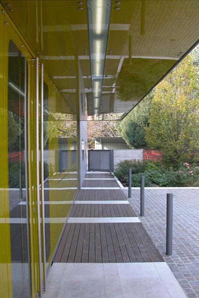 facciata_facade_fronte_front_view_pozzonovo_mirror_specchio_shiny