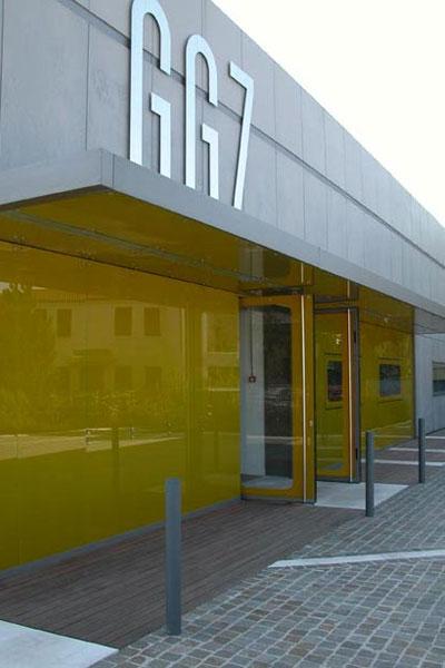 facciata_facade_fronte_front_view_pozzonovo_mirror_specchio_shiny_01
