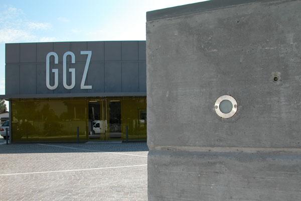 facciata_facade_fronte_front_view_pozzonovo_mirror_specchio_shiny_02
