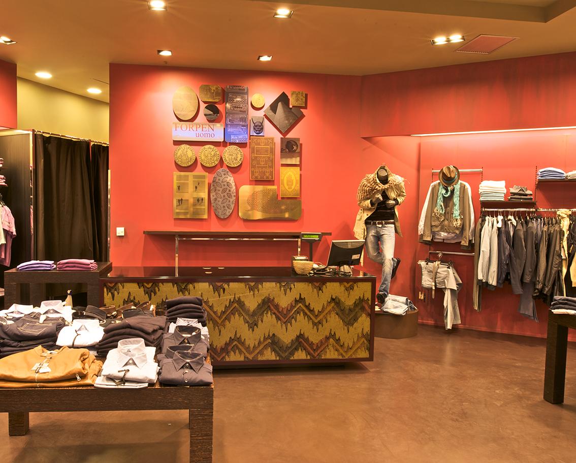 Interni negozi abbigliamento ko54 regardsdefemmes for Negozi design online
