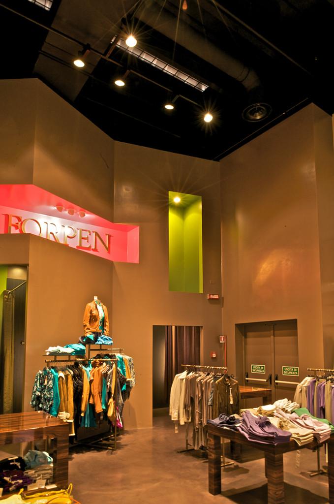 forpen_abbigliamento_negozio_shop_interni_format_interiors_shop_design_bongiana_architetture