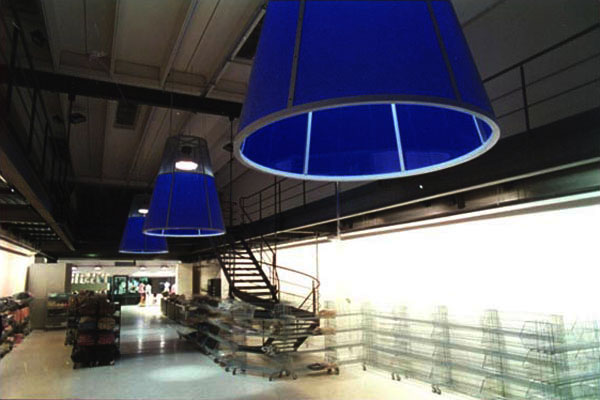 interno_interni_arredo_interiors_negozio_store_phard_showroom_vestiti_dress01