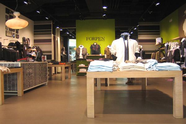 shop_store_interno_arredo_negozi__interiors_lusso_area_vendita_dress_abiti_vestiti