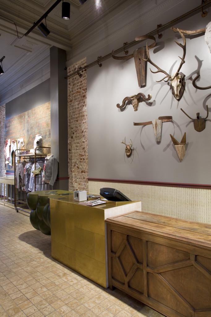shop_store_interno_arredo_negozi_interiors_lusso_area_vendita_cassa2_cash_desk2_replay_bruxelles