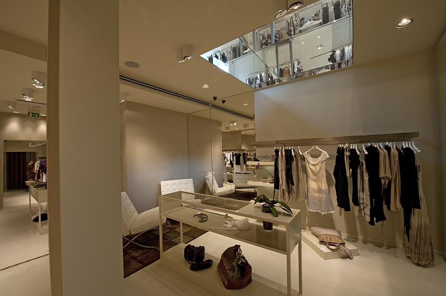 shop_store_interno_arredo_negozi_interiors_lusso_area_vendita_int_basement_sistes_milano11