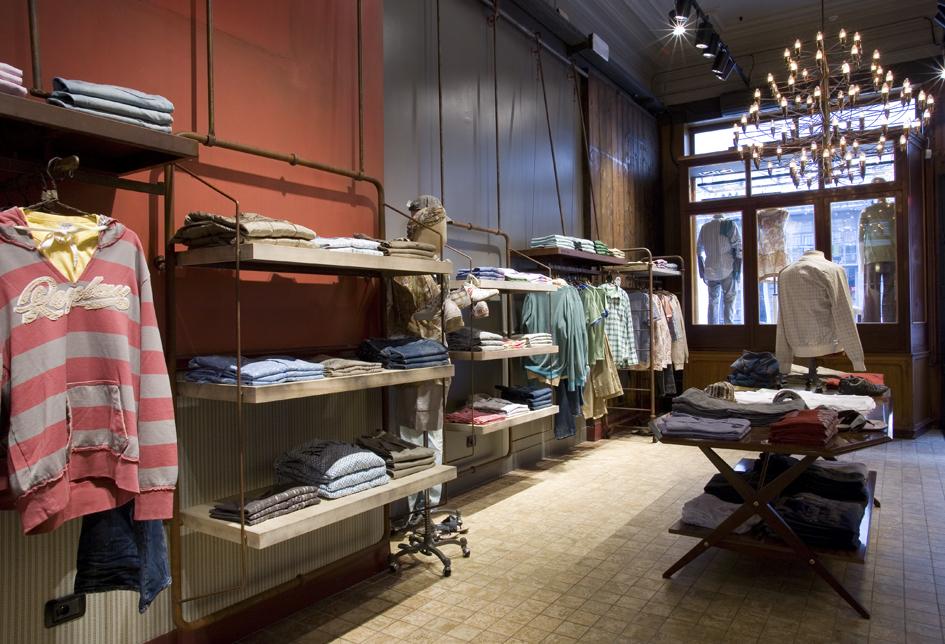 shop_store_interno_arredo_negozi_interiors_lusso_area_vendita_pareti_wall_replay_bruxelles